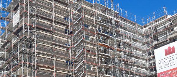 Fassadengerüst mit einer Fläche von 7000 m² für Wohnblock