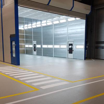 Industriebodenbeschichtung aus Epoxidharz für Werkshalle